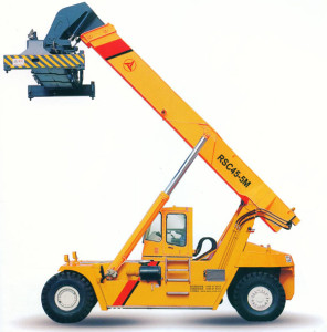Reach-stacker